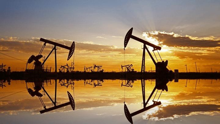 žalios naftos ateities prekybos signalai